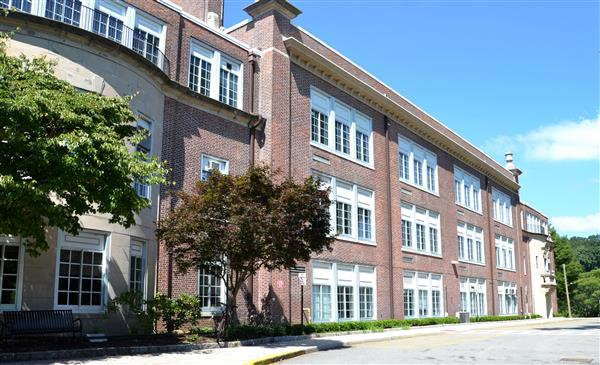 Croton-Harmon High School Building